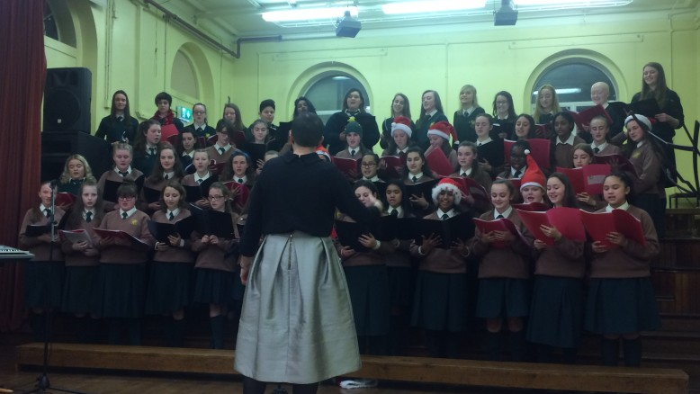 Loreto Crumlin Choir singing Christmas tunes