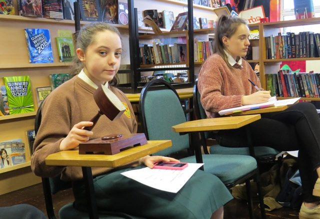 Timekeeping and adjudicating at the Inter-Loreto debates