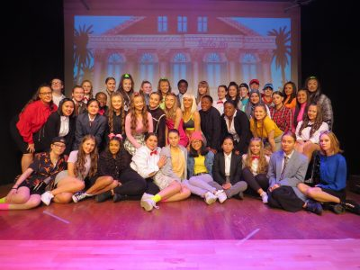The full Cast of Legally Blonde
